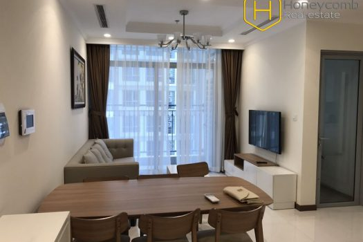 Apartment for rent in HCMC - Luxury and Modern with 2 bedrooms apartment in Vinhomes Central Park 13 - honeycomb.com.vn