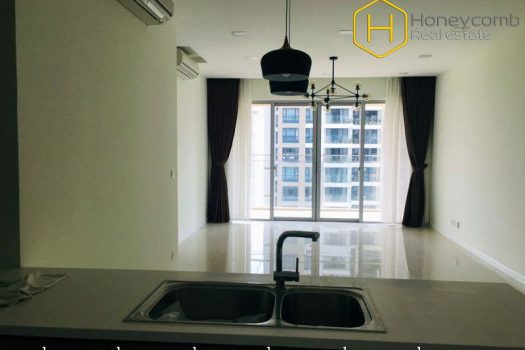 The unfurnished 3 bed-apartment is so spacious with breathtaking view at The Estella Heights 9 - Apartment for rent in HCMC - honeycomb.com.vn