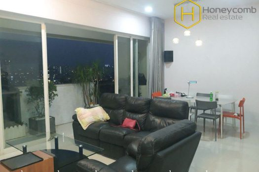 This cozy and graceful 2 bed-apartment has all the amenities that you need at Estella 3 - Apartment for rent in HCMC - honeycomb.com.vn