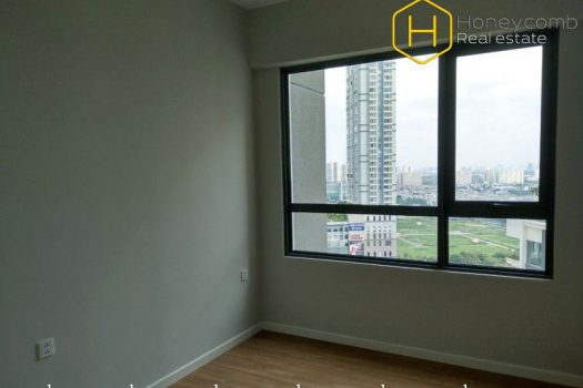 The commodious 2 bed-apartment without furniture is available at Masteri An Phu 11 - Apartment for rent in HCMC - honeycomb.com.vn