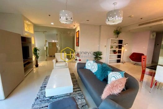 CITY330 www.honeycomb vn 1 result Spacious and sun filled 3 bedrooms apartment in City Garden