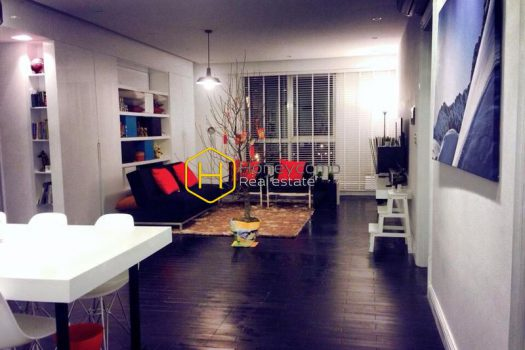 27e63e10bff445aa1ce5 result High-end apartment with must-have amenities for rent in The Manor
