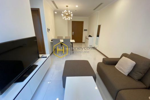 VH914 www.honeycomb 5 result Everything you need for a simple life is right in this amazing apartment! Now for rent in Vinhomes Central Park