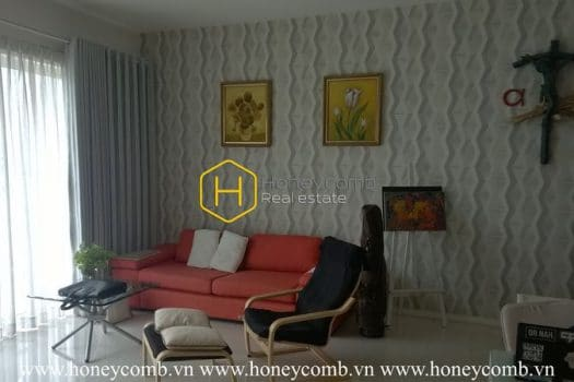 ES935 www.honeycomb 14 result An artist apartment with warm hue interiors and lovely balcony in Estella