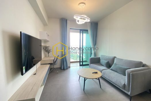 FEV38 www.honeycomb 3 result Explore urban energy with this modern and enchanting apartment in Feliz En Vista for lease