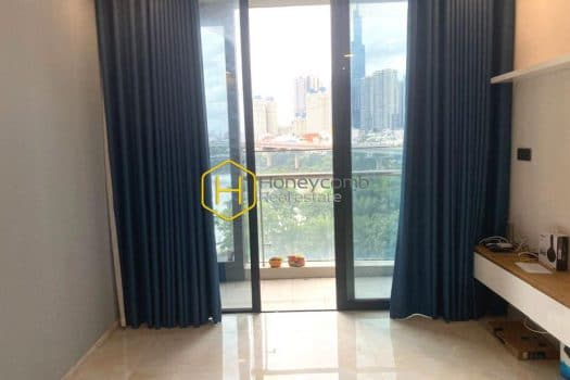 VGR469 www.honeycomb 1 result Spacious and well-arranged apartment in Vinhomes Golden River ! Best price at market
