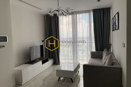 VGR500 5 result A 3-bedroom commodious apartment in Vinhomes Golden River is now for rent!