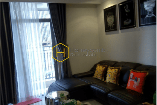 VH1263 1 result Modern style coupled with this apartment's natural palette style in Vinhomes Central Park