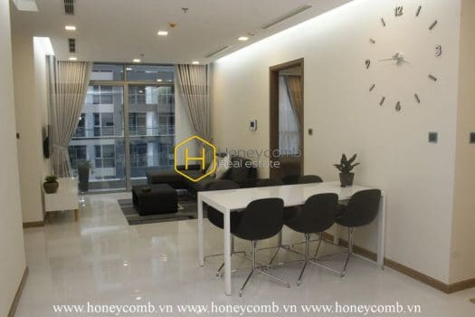 VH1278 5 result Elegant and luxurious is what we describe this Vinhomes Central Park apartment