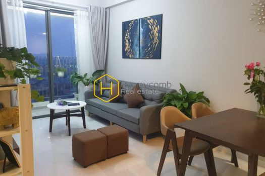 MAP305 10 result A tropical style apartment in Masteri An Phu filled with greenery and sunlight