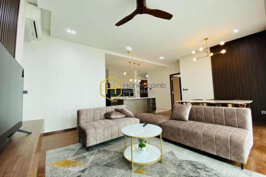 DE76 5 result Rustic but not boring, simple but classy - check it out at this D' Edge apartment