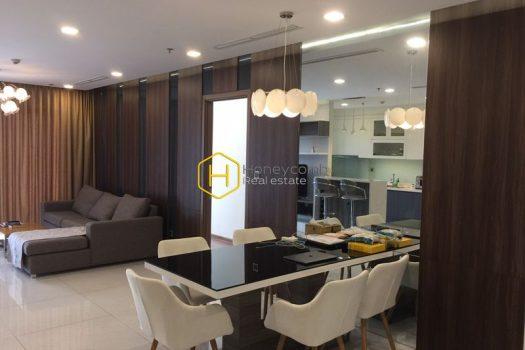 VH1707 9 result Vinhomes Central Park apartment: Simple design but quality life