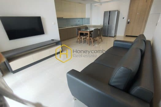 EH435 8 result This alluring Estella Heights apartment brings a high artistic value