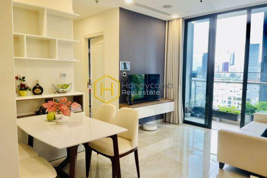 9cb8fd9264679239cb76 result A multi-color apartment with unique décor in Vinhomes Golden River